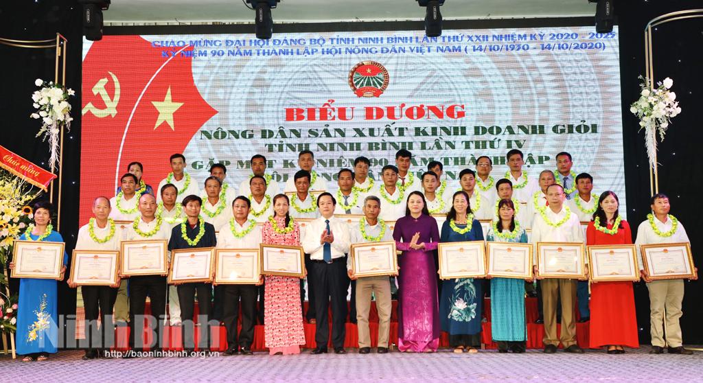 Biểu dương nông dân sản xuất kinh doanh giỏi tỉnh Ninh Bình lần thứ IV