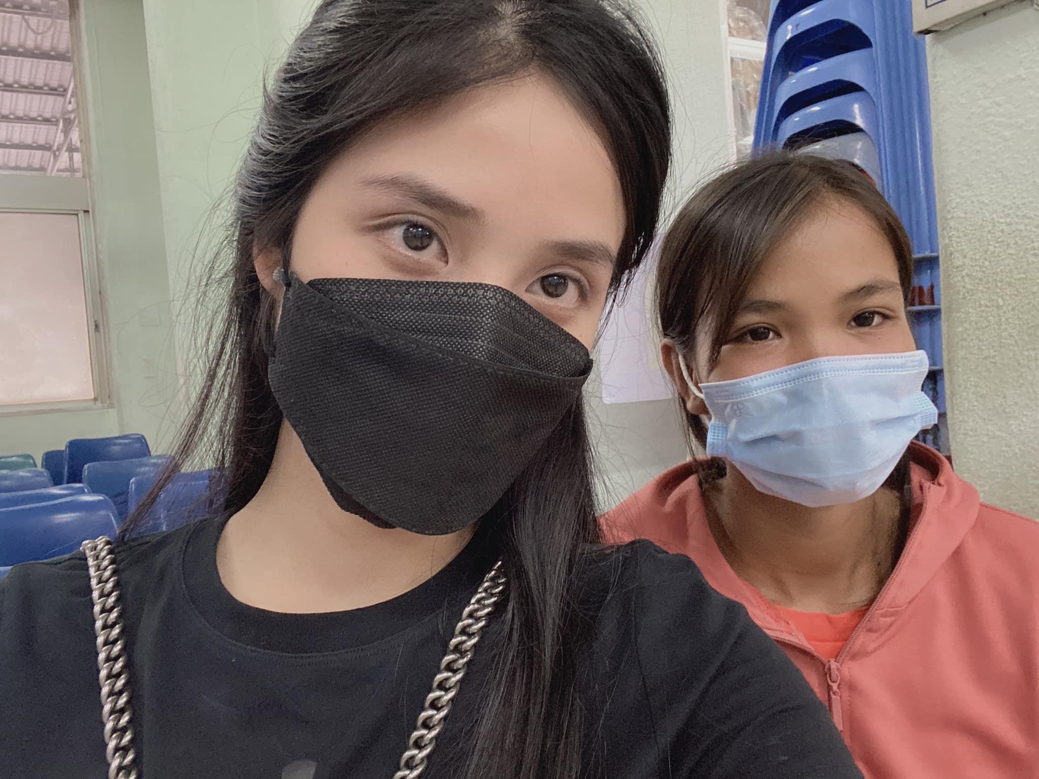 Chân dung hotgirl ra tay cứu giúp người đàn ông bị rắn hổ mang cắn ở Tây Ninh