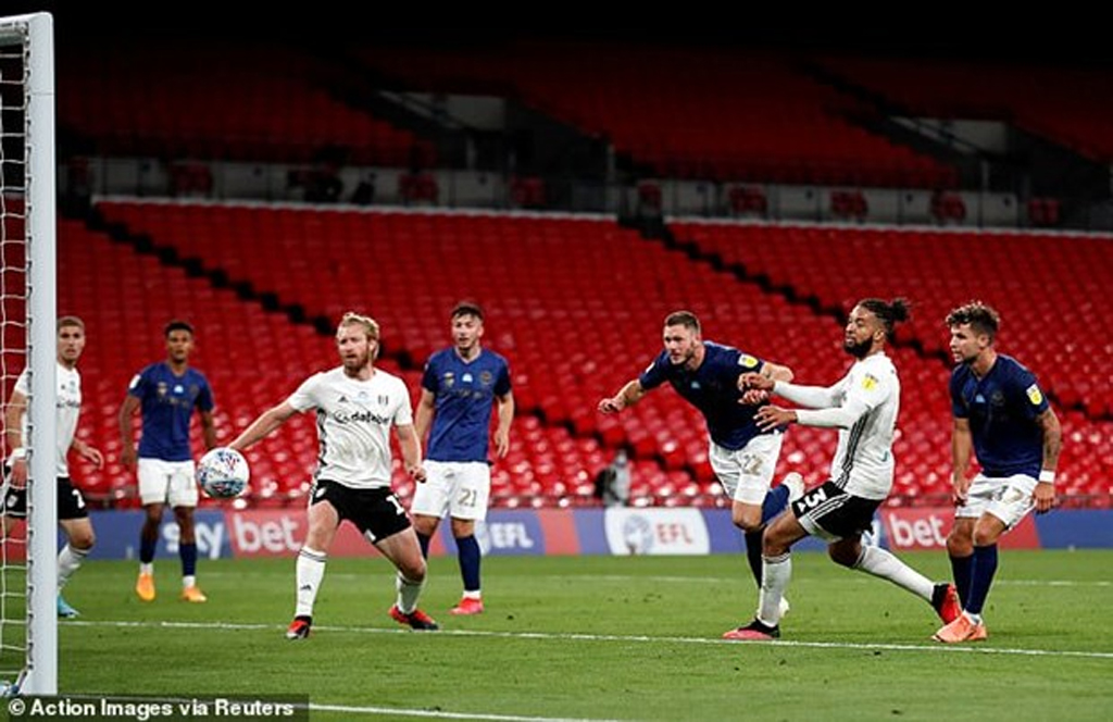 Fulham thăng hạng Premier League sau trận cầu đắt giá nhất thế giới