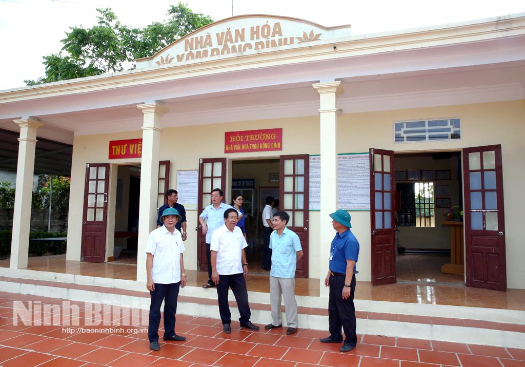 Kiểm tra xây dựng nông thôn mới tại huyện Hoa Lư
