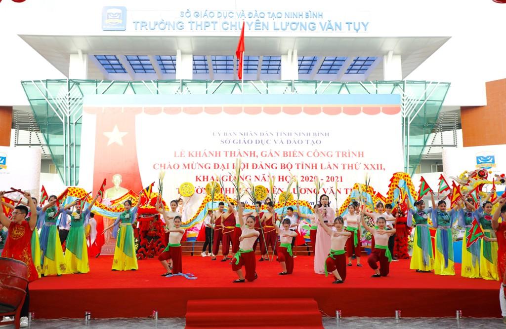 Tưng bừng lễ khai giảng năm học mới ở ngôi trường hiện đại nhất Ninh Bình