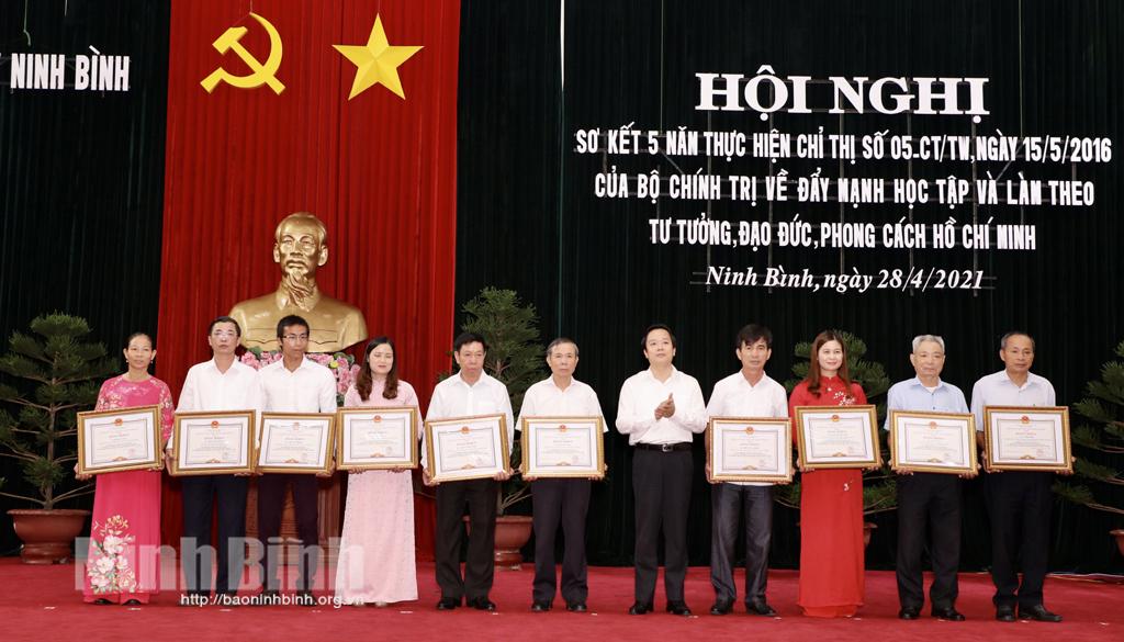 Sơ kết 5 năm thực hiện Chỉ thị 05 của Bộ Chính trị khóa XII về đẩy mạnh học tập và làm theo tư tưởng đạo đức phong cách Hồ Chí Minh