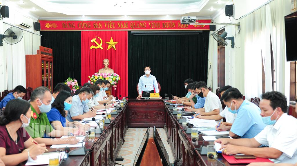 Đồng chí Chủ tịch UBND tỉnh kiểm tra công tác chuẩn bị bầu cử tại huyện Yên Khánh