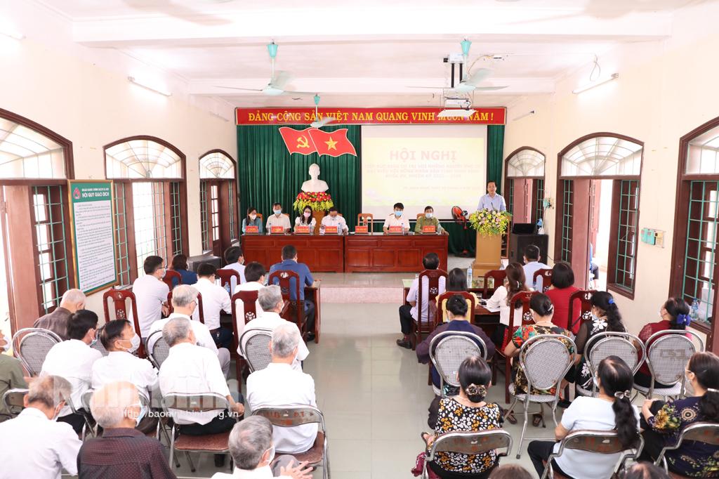 Tiếp xúc giữa cử tri với những người ứng cử đại biểu HĐND tỉnh khóa XV nhiệm kỳ 2021 2026