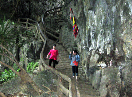 Stair leading to Tran Temple