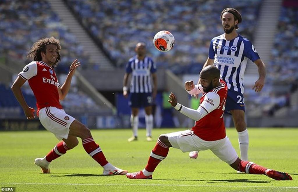 Thua ngược ở phút 90+5, Arsenal xa dần suất dự cúp châu Âu