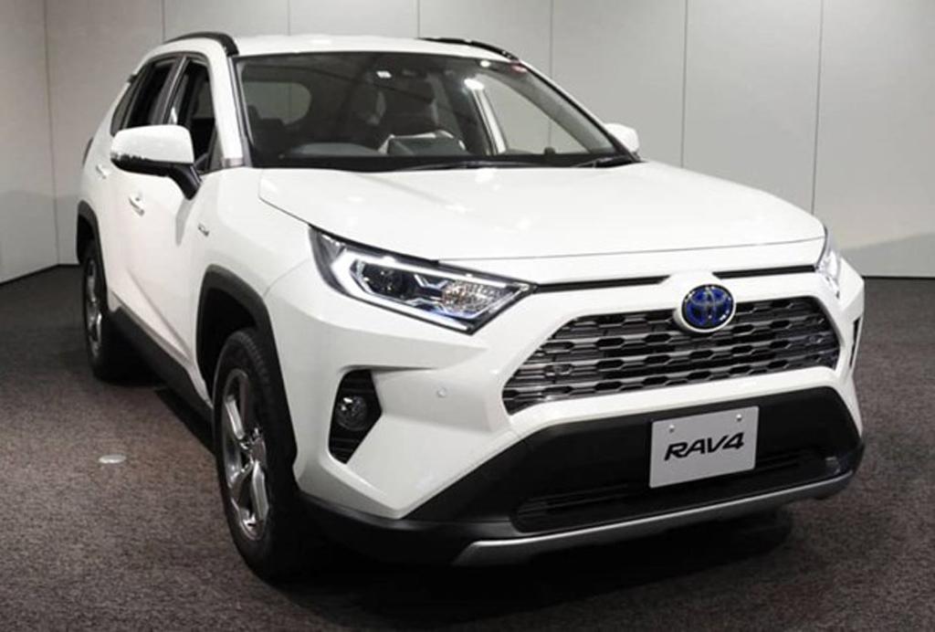Toyota lần đầu tiên để mẫu xe RAV4 bán dưới thương hiệu Suzuki