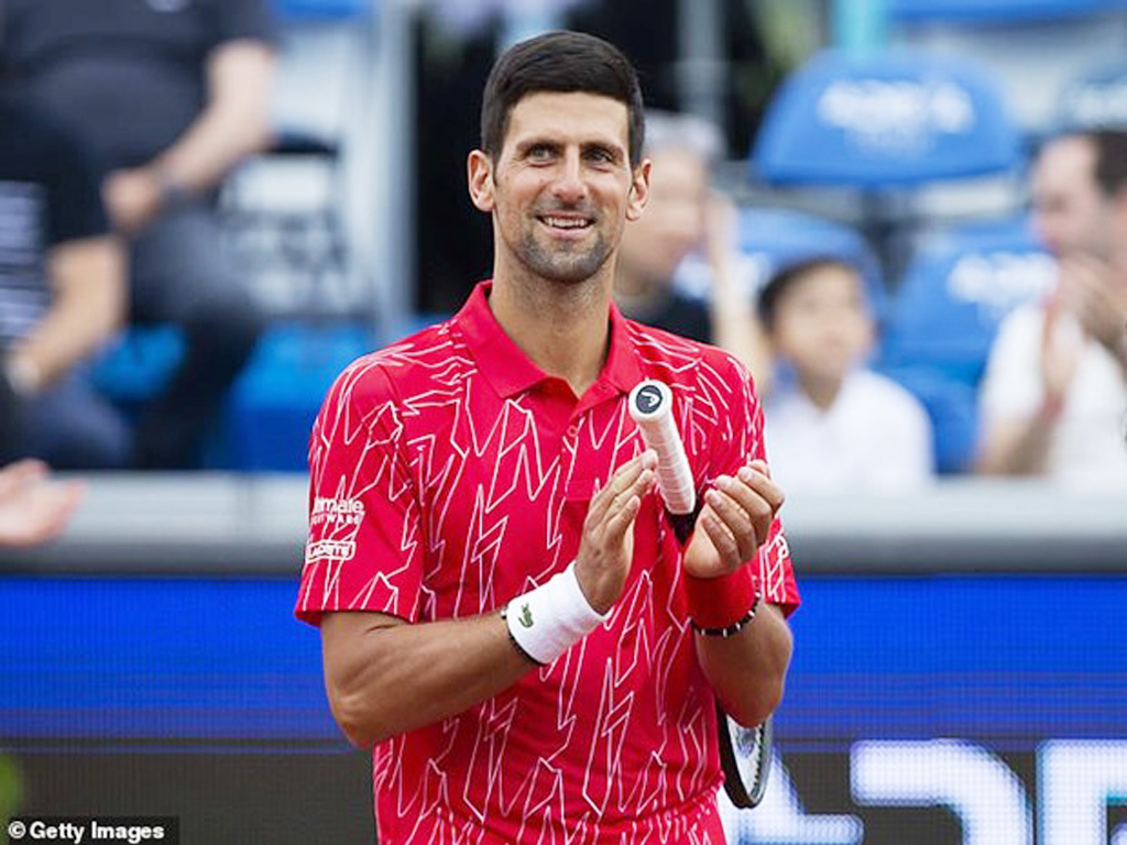 Tay vợt Novak Djokovic và vợ dương tính với virus SARS-CoV-2