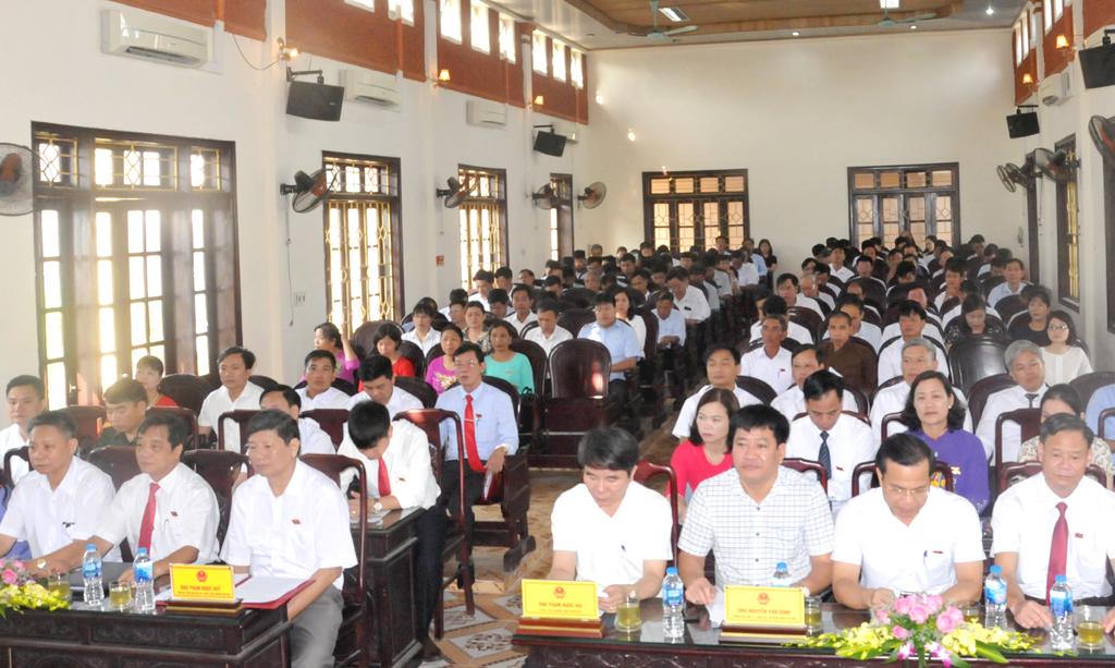 HĐND huyện Yên Khánh khóa XIV khai mạc kỳ họp thứ 13