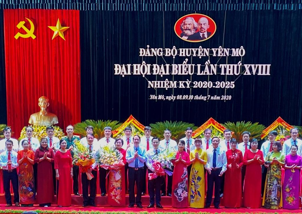Đồng chí Đinh Thị Thúy Ngần tái đắc cử Bí thư Huyện ủy Yên Mô khóa XVIII