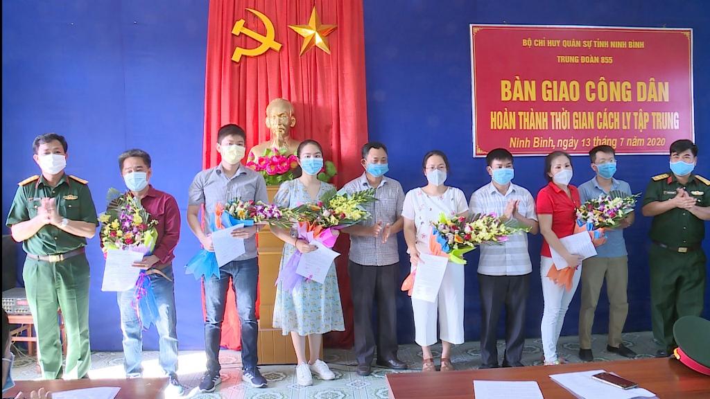 Bộ CHQS tỉnh bàn giao 79 công dân hoàn thành thời gian cách ly tập trung