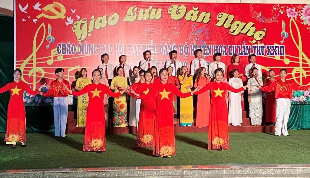 Giao lưu văn nghệ chào mừng Đại hội đại biểu Đảng bộ huyện Hoa Lư lần thứ XXIII