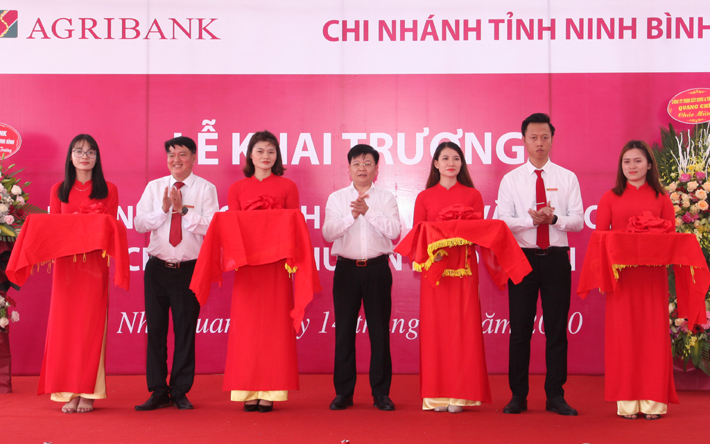 Agribank Ninh Bình khai trương phòng giao dịch khu vực Văn Phong, Nho Quan
