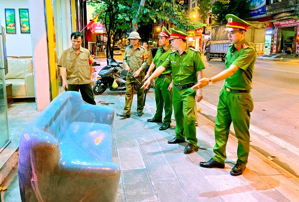 Những người góp phần bảo vệ bình yên khu phố