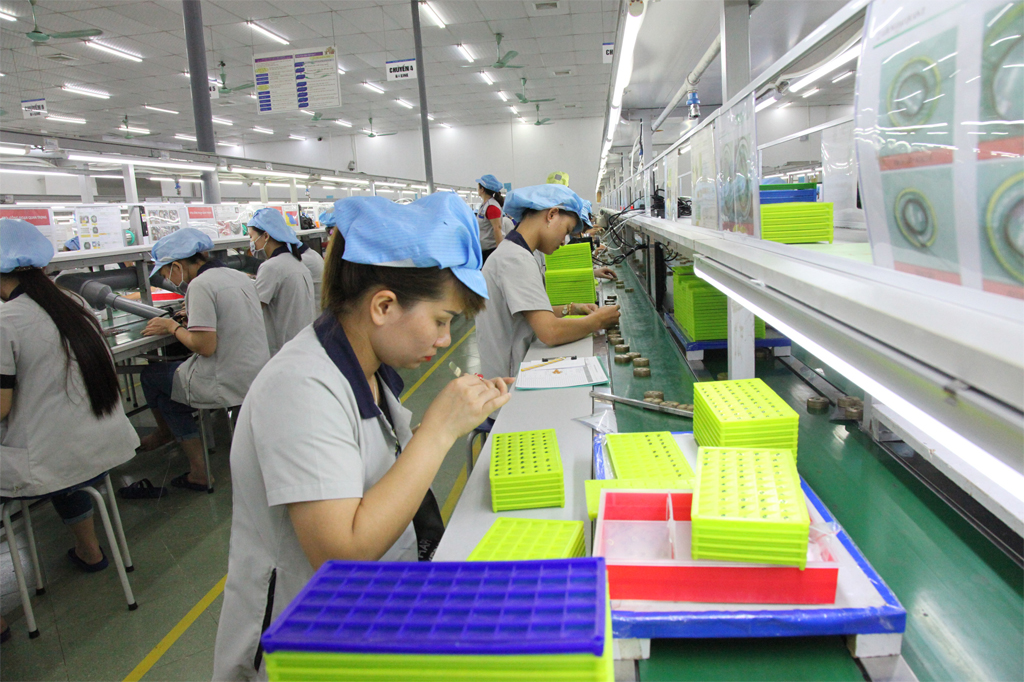Phát triển công nghiệp góp phần nâng cao thu nhập cho người dân
