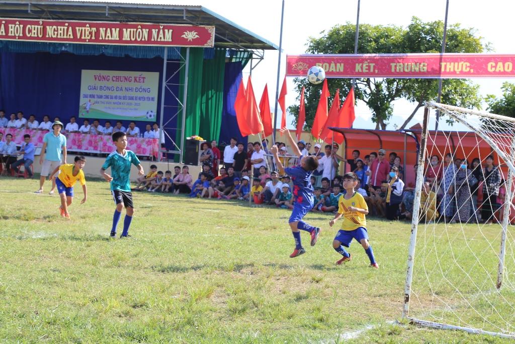 Khai mạc vòng chung kết giải bóng đá nhi đồng huyện Yên Mô năm 2020