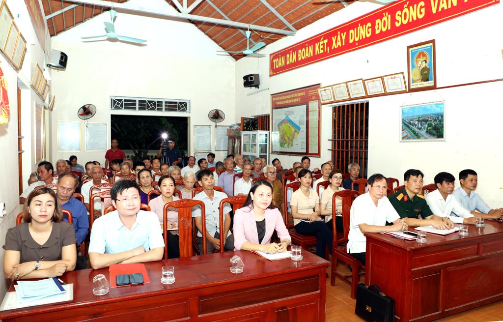 Đồng chí Bí thư Tỉnh ủy dự sinh hoạt chi bộ xóm 1 thôn La Mai