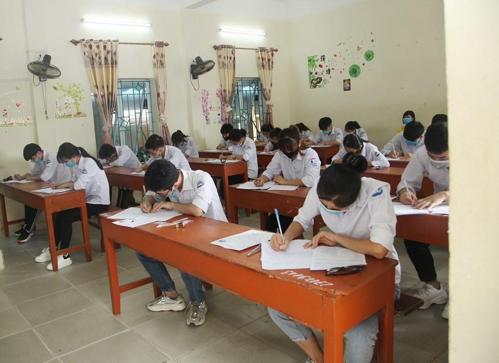 Kỳ thi tốt nghiệp THPT 2020 tại Ninh Bình diễn ra an toàn, nghiêm túc, đúng quy chế