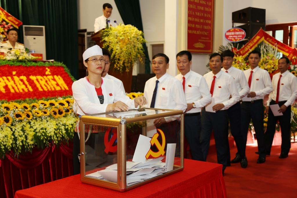 40 đồng chí được bầu vào Ban Chấp hành Đảng bộ huyện Nho Quan nhiệm kỳ 2020- 2025