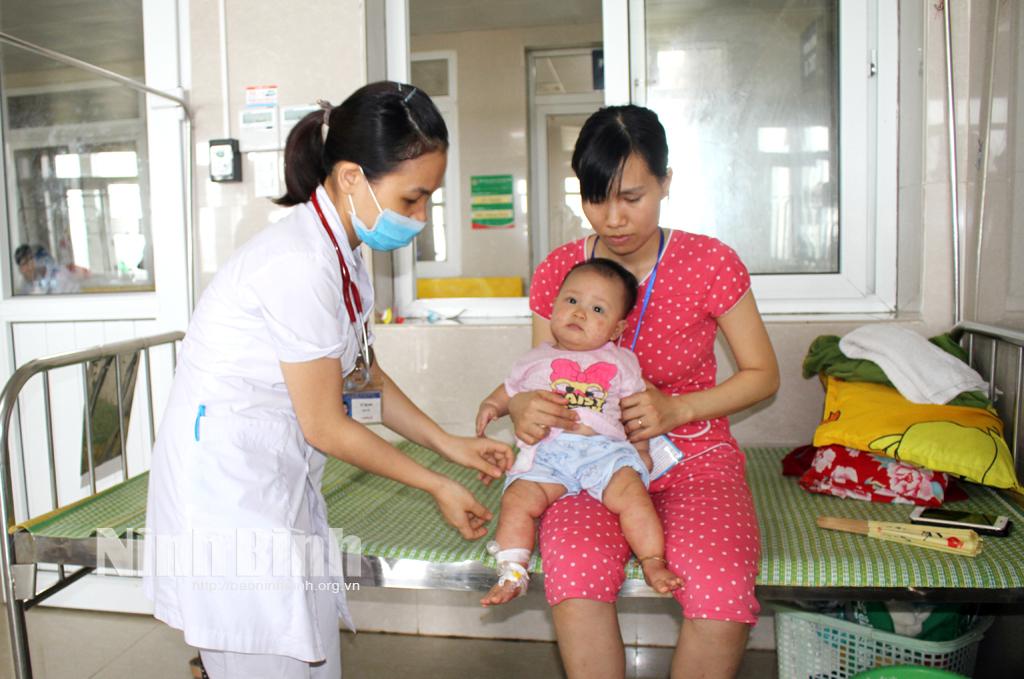 8 tháng, Ninh Bình có gần 300 ca bệnh tay chân miệng