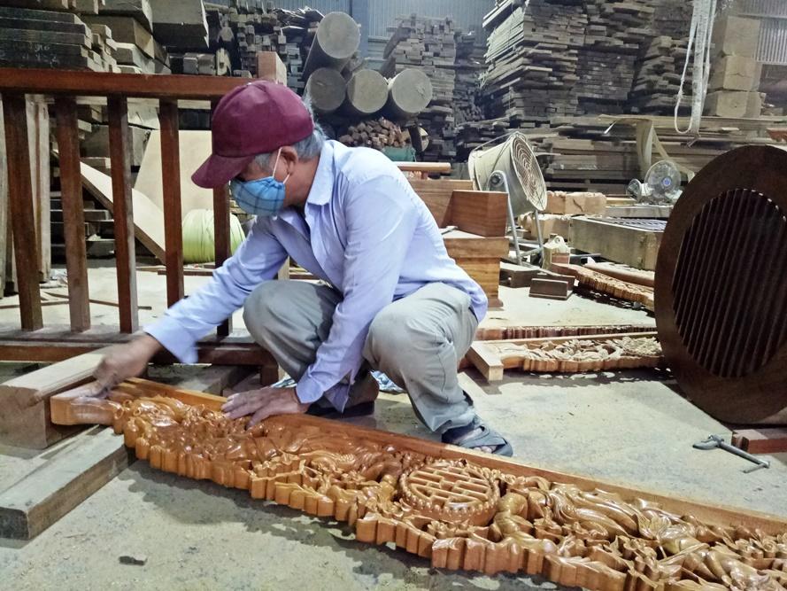 Các làng nghề truyền thống tấp nập vào Tết