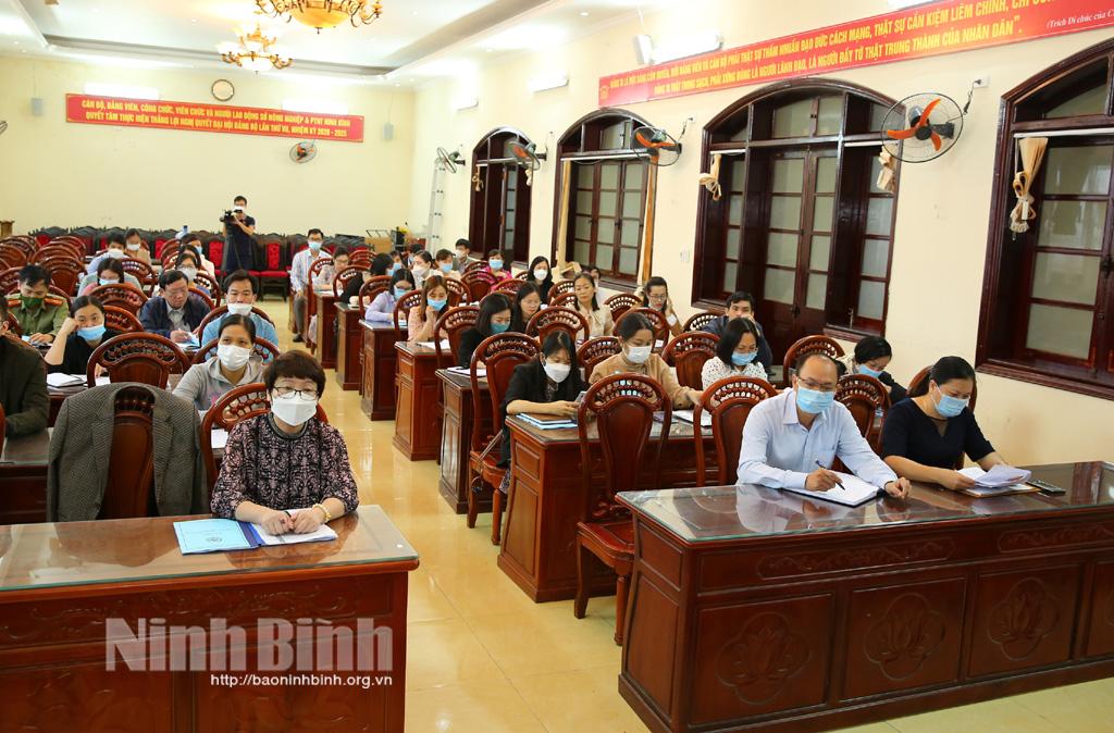 Tập huấn, bồi dưỡng kiến thức cho cán bộ về công tác xây dựng nông thôn mới