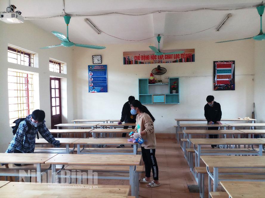 Học sinh phổ thông Ninh Bình đi học trở lại vào ngày 22/2, trẻ mầm non tiếp tục nghỉ