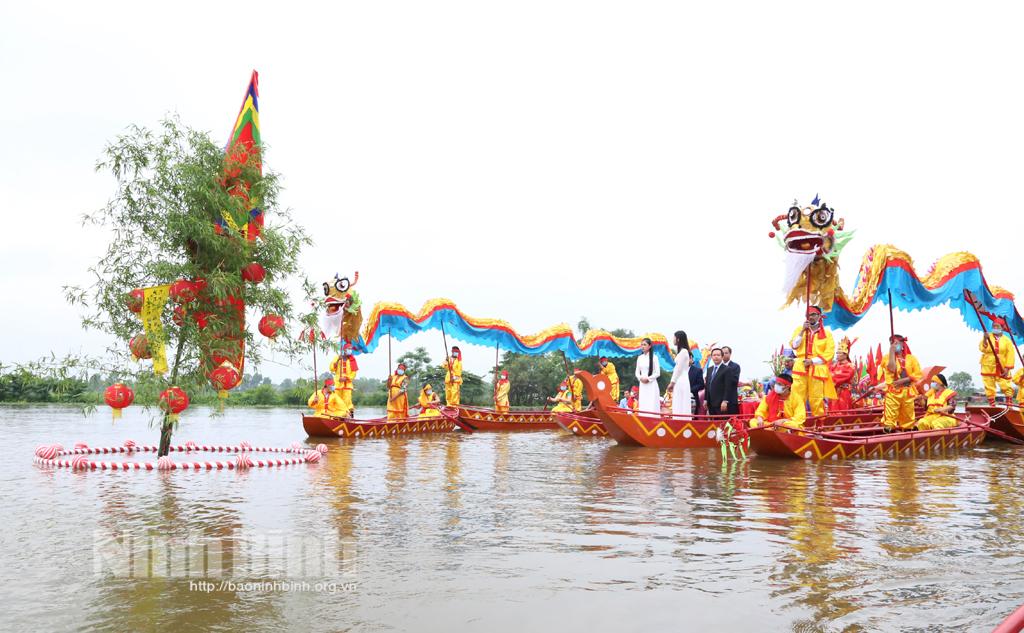 Lễ rước nước tại Lễ hội Hoa Lư 2021