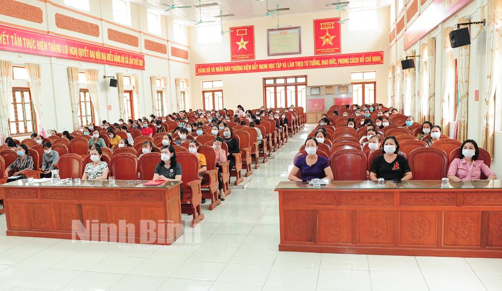 Hội Phụ nữ Kim Sơn quán triệt Nghị quyết Đại hội Đảng các cấp và tuyên truyền bầu cử