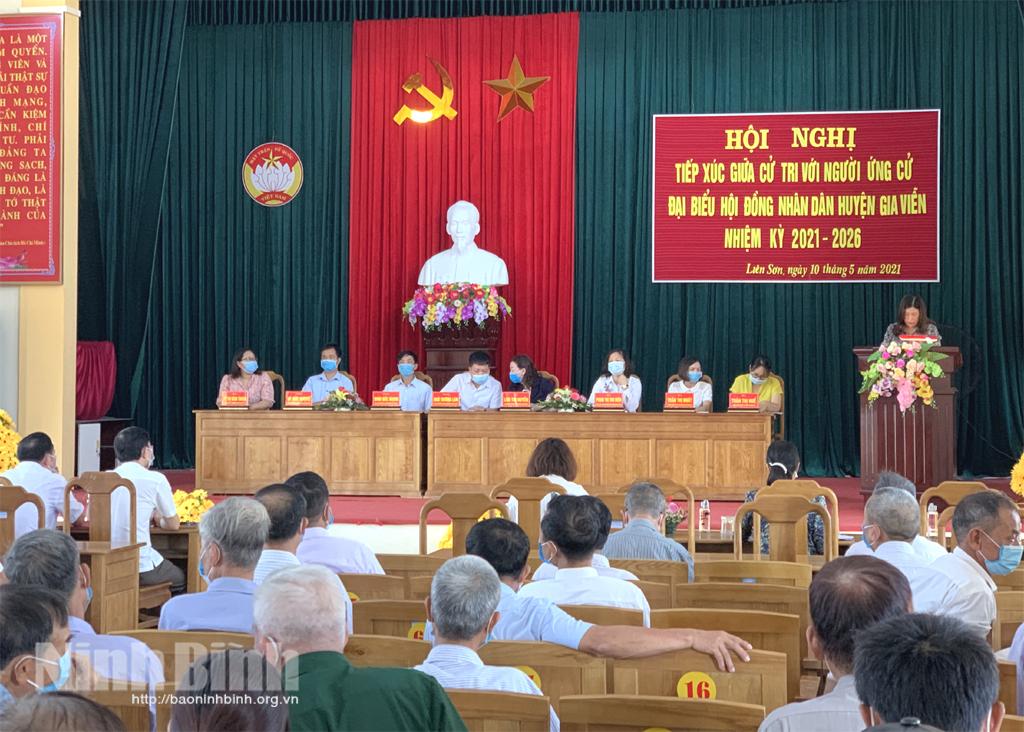 Ứng cử viên đại biểu HĐND huyện Gia Viễn tiếp xúc cử tri