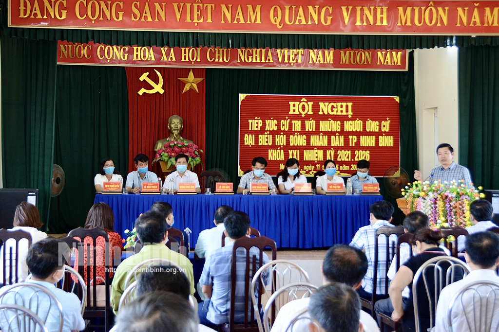 Ứng cử viên đại biểu HĐND thành phố Ninh Bình tiếp xúc cử tri