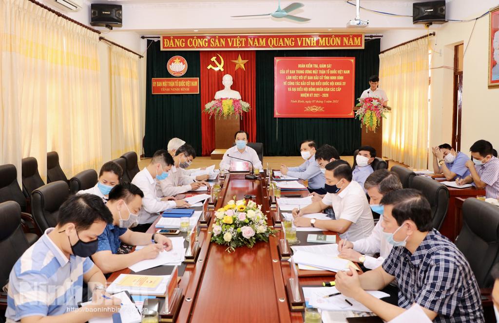 Đoàn kiểm tra, giám sát của Ủy ban Trung ương MTTQ Việt Nam làm việc với Ủy ban bầu cử tỉnh