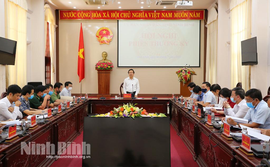 UBND tỉnh giao ban phiên thường kỳ tháng 7