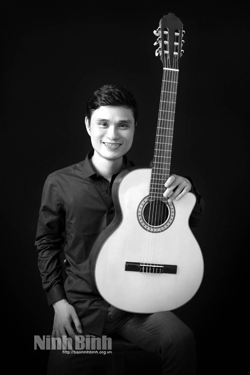 Phạm Chí Linh, nhạc sỹ trẻ say mê sáng tác