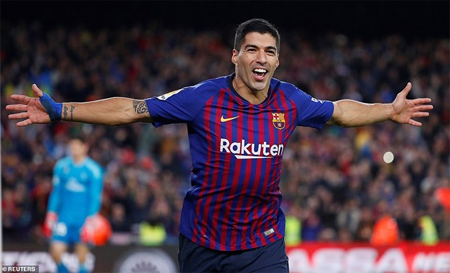 Luis Suarez lập hat-trick, Barcelona thắng 'hủy diệt' Real Madrid